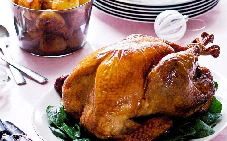 Roast turkey cranberry and macadamia stuffing