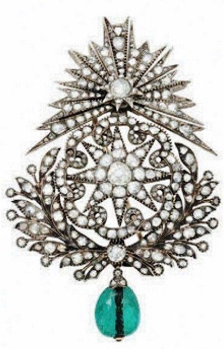Late-Ottoman brooch, 19th century. Silver, emerald, diamonds.