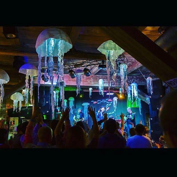 Алина в ночном клубе ночные клуб луганск
