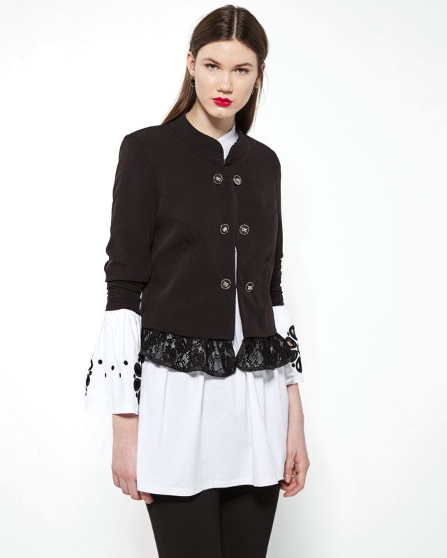 Short #cardigan with lace detail on the hem and EMBROIDERED WHITE #SHIRT WITH BLACK FLOWERS