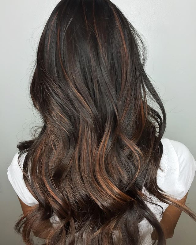 """For the brunettes who want a summer pop. Color by @roger_woodard  """"I used Goldwell Silk Lift+30vol(9%)+Olaplex No.1.  I Balayaged and let process for 25 min. Then I washed and toned with 6kg in colorance for 25 min.  After that I applied Olaplex No.2 and placed client under dryer for 30min. Then I rinsed, shampooed, conditioned and styled."""" #olaplex #brunette #balayage #summerhair"""