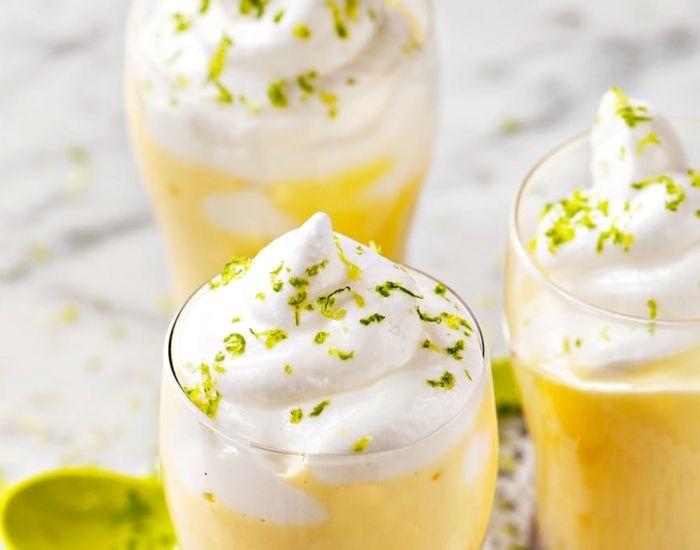 Enkel dessert med frisk smak av lime og bringebær.