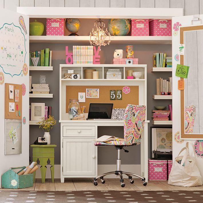 Maravilhoso escritória embutido (parece um guarda roupa quando fechado) adoraria ter um assim.