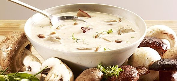 Ζεστές, θρεπτικές, εύκολες και πεντανόστιμες! Οι σούπες είναι ό,τι καλύτερο για τις κρύες μέρες του χειμώνα.