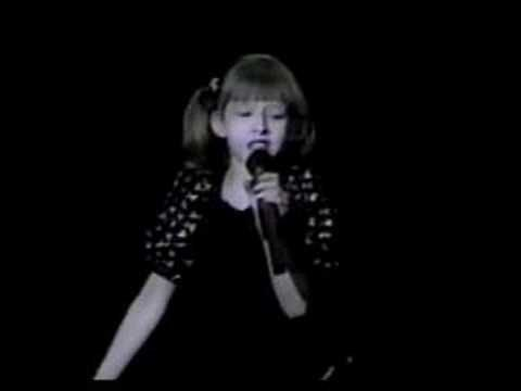 christina aguilera - break it to me gently (1990) christina aguilera performing break it to me gently at the age of 9.  enjoy.
