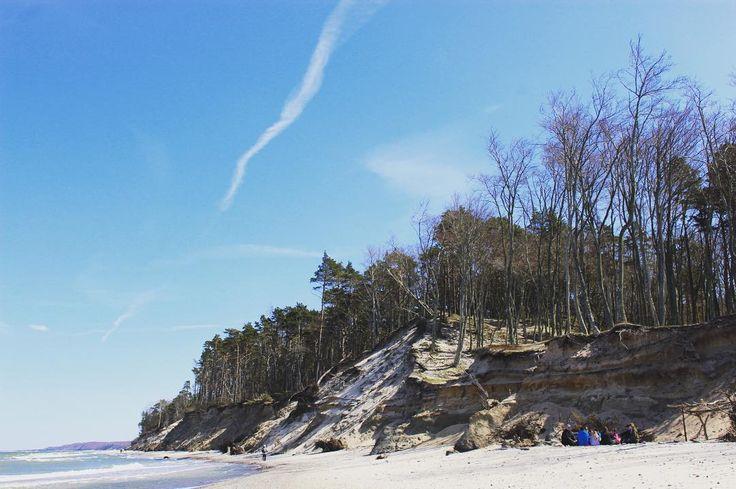 Beach in Orzechowo . . . #ustka #ustkanafali #igerspoland #igerseurope #igerseu #clifflandscape #sealandscape #cliff #seaside #polskiemorze #timeoutsociety #travelcommunity #teamwanderlust #wltraveler #wanderlust #girlslovetravel #wearetravelgirls #ladiesgoneglobal #thetravelwomen #femmetravel #welivetoexplore #travel_drops #travelphotography #thevisualpassport #unfoldingroad #wonderful_places #beautifuldestinations