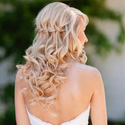 22 New Half Up Half Down Hairstyles Trends: Here Are Some Awesome Half Up Half Down Hairstyles Which