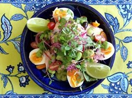 Poached Salmon Nicoise #Salad taste the flavours of the Mediterranean #healthy #recipes. Click here!