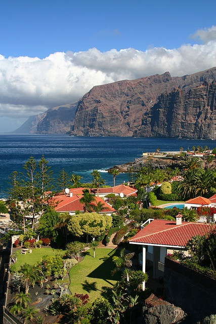 Puerto Santiago, view on Los Gigantes cliffs, Canary Islands, Spain   Flickr - Photo Sharing!