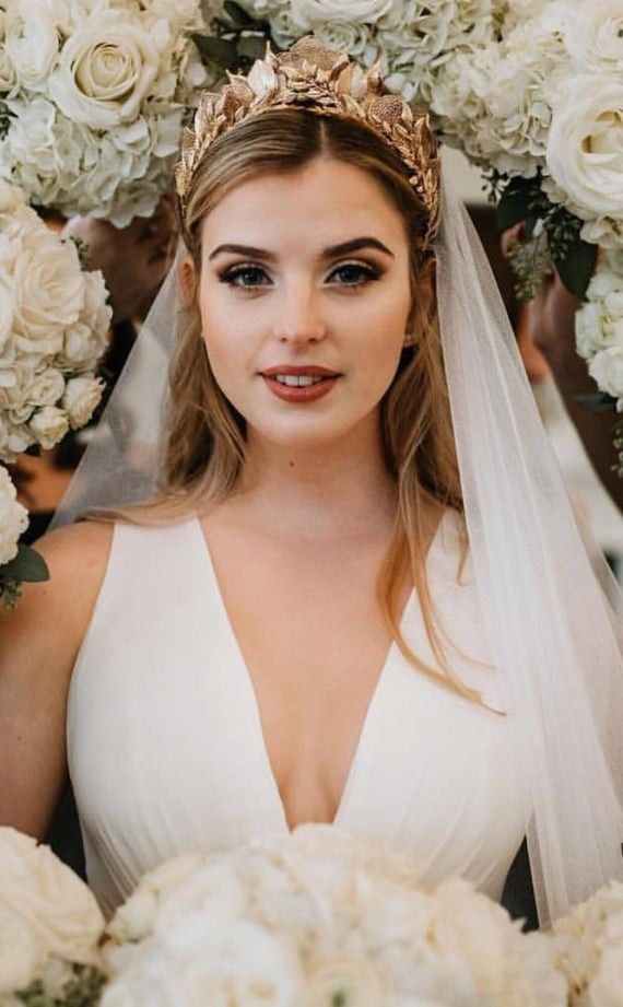 Bridal Headpieces Belle The Magazine In 2020 Wedding Hairstyles With Veil Bride Hairstyles Long Hair Wedding Styles