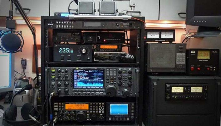 Should you get a Ham Radio License or Hide from the Government?