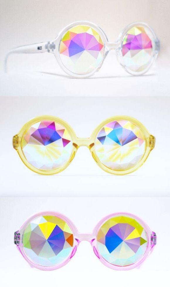 LOVIN these crazy cool statement sunglasses..via Audrey Kitching's photos!!!! ღ❤ღ
