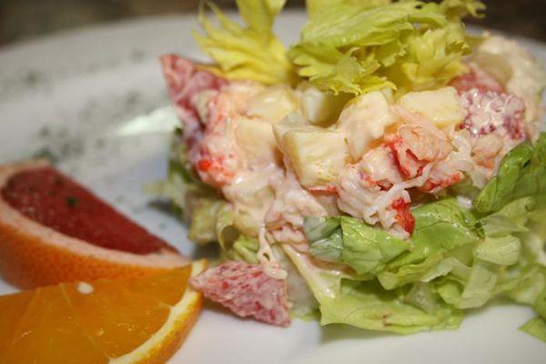 Салат с сельдереем и крабовыми палочками | Любимые рецепты