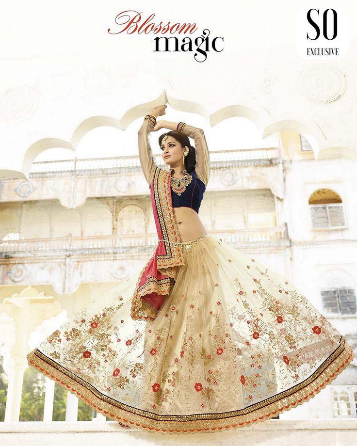 Sari Designer Beige Bleu Marine & Rose Blossom Magic de la collection Elegant