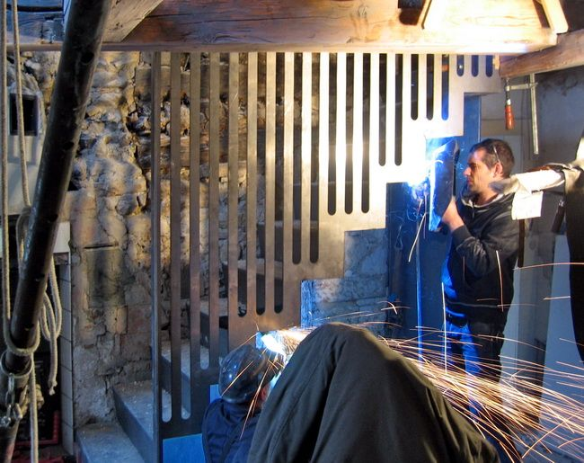 metalltreppe mit stuetzfunktion kueche 03