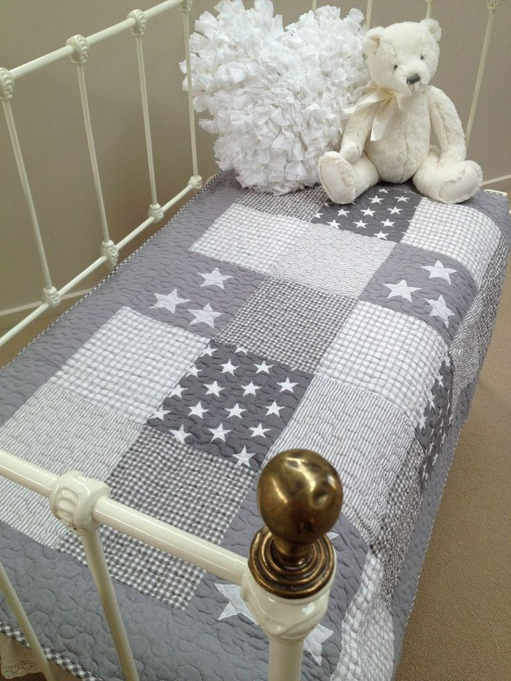 Lachlan Cotton Cot Quilt in Grey