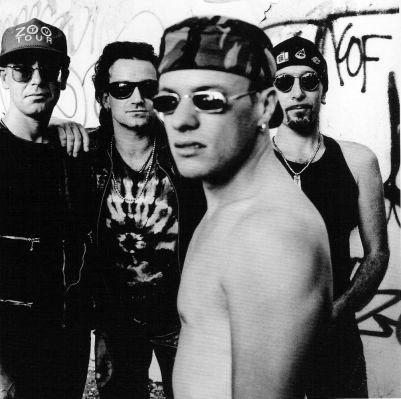 U2 - Ahhhhh Larry Mullen!