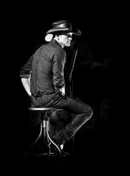 This image has been altered digitally) Tim McGraw rehearses for the 2015 Oscars…