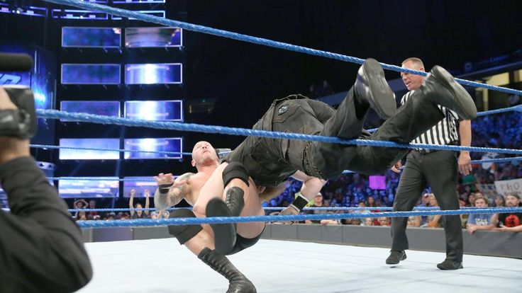 Randy Orton vs. Erick Rowan
