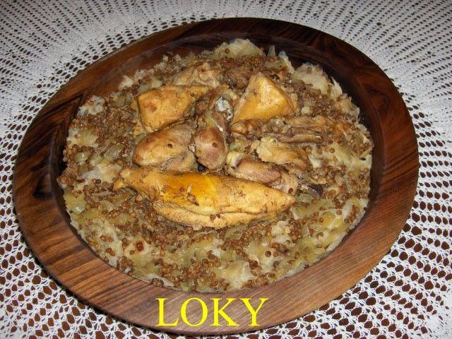 (carrés de msemens à la sauce poulet) maintenant que vous savez faire les msemens attention ces msemens pour cette recette sont à utiliser natures sans farce ... essayez de les faire le plus finement pour ce plat pour bouillon de poulet - un poulet entier...