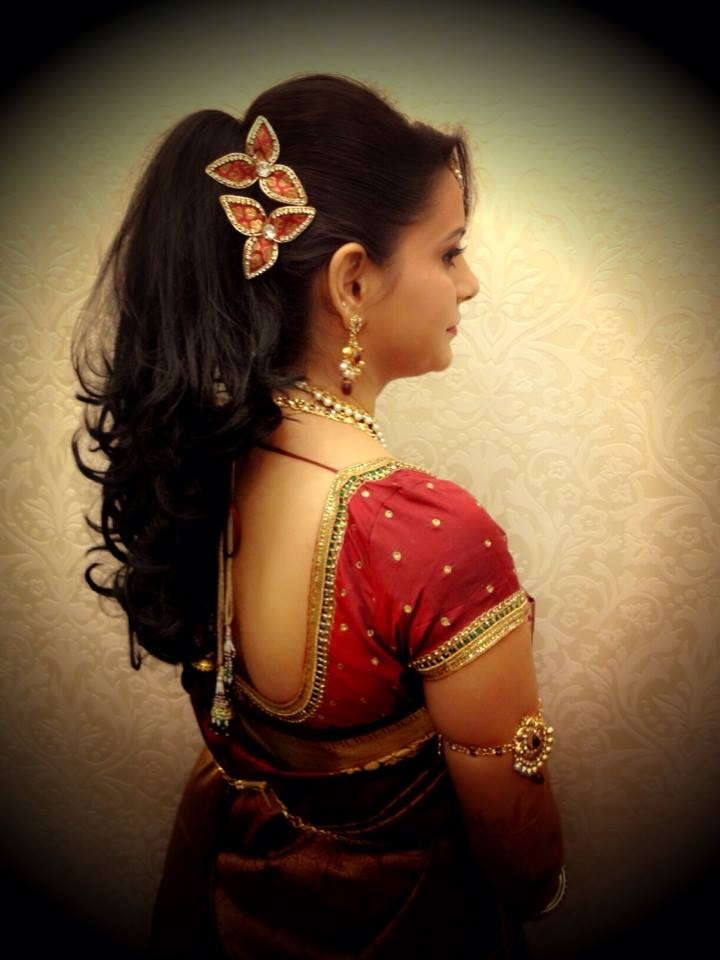 5 Charming Hairstyles For Indian Wedding Reception You Will Not Miss Either Guest Or The Bride Hairstyle Is Just Like Their Overall Appearance