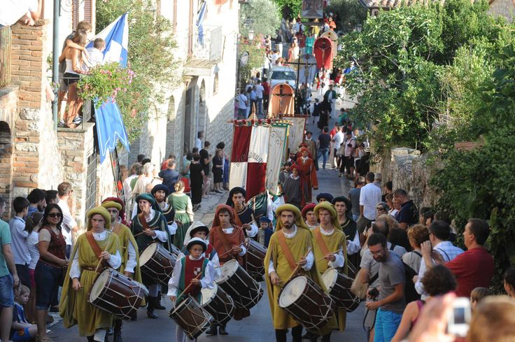 Corciano Festival is an evocative event that is organized in the silent medieval village of Corciano, also known as one of the most beatiful village of Italy