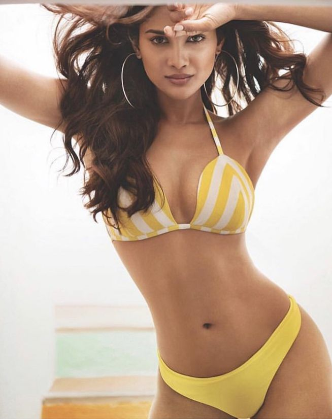 Pin By Nishant Gupta On Sushrii Indian Bikini Swimsuit Models