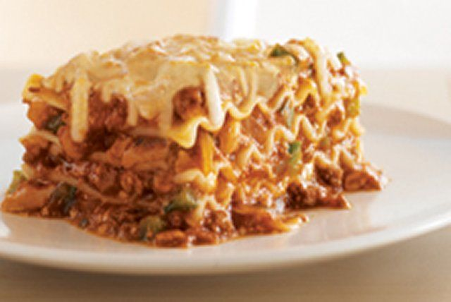 This lasagna recipe is a keeper. With an ooey-gooey cheesy melt, ground beef and pasta sauce, our Easy 4 Cheese Lasagna is a tried and true crowd-pleaser.
