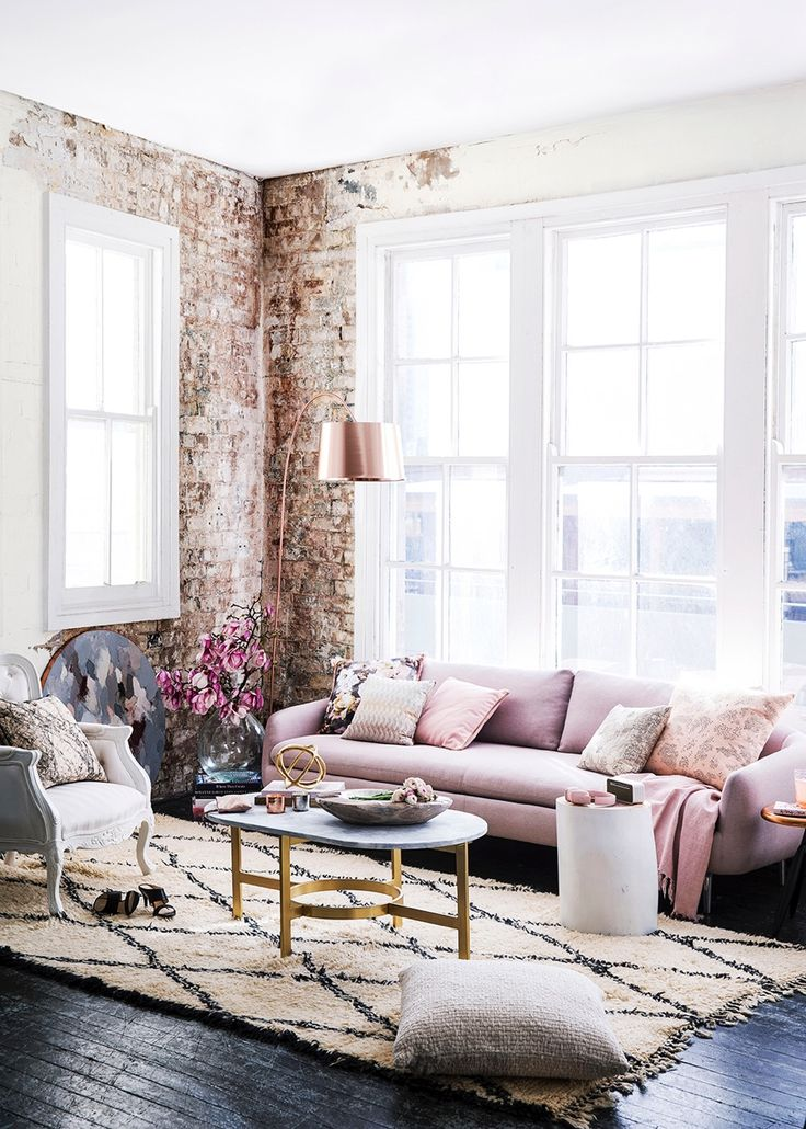 Obsessed with this glam industrial living room!!
