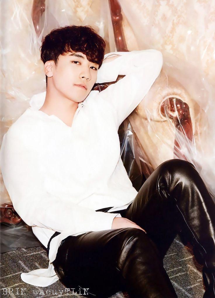 Seungri - [THE BEST OF BIGBANG 2006-2014] Photobook