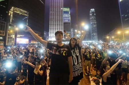 香港デモさらに拡大、一般市民も 数万人、長官辞任に圧力強める - 47NEWS(よんななニュース)