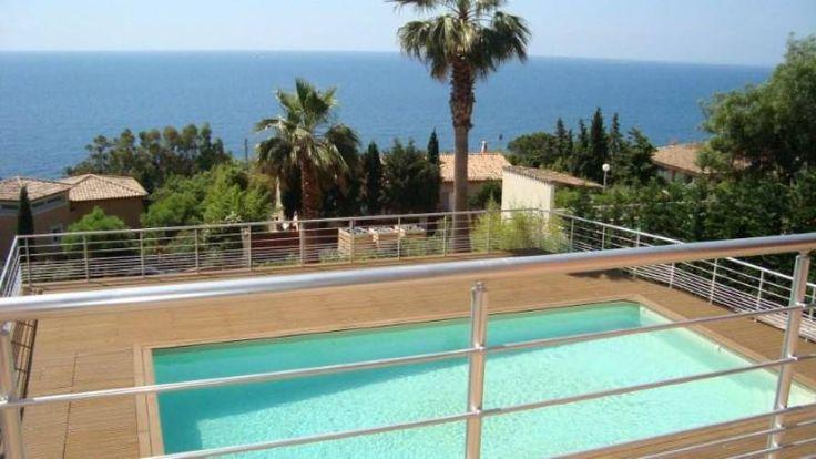 A vendre VILLA VUE MER 5 PIECES SAINT RAPHAEL ANTHEOR, avec piscine et salle de cinéma haute technologie. (83700) - Côte & Littoral