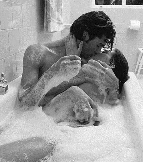 Put the #romance back in your #marriage or #relationship with these 101 Romantic Ideas for Couples in Love! Description from pinterest.com. I searched for this on bing.com/images