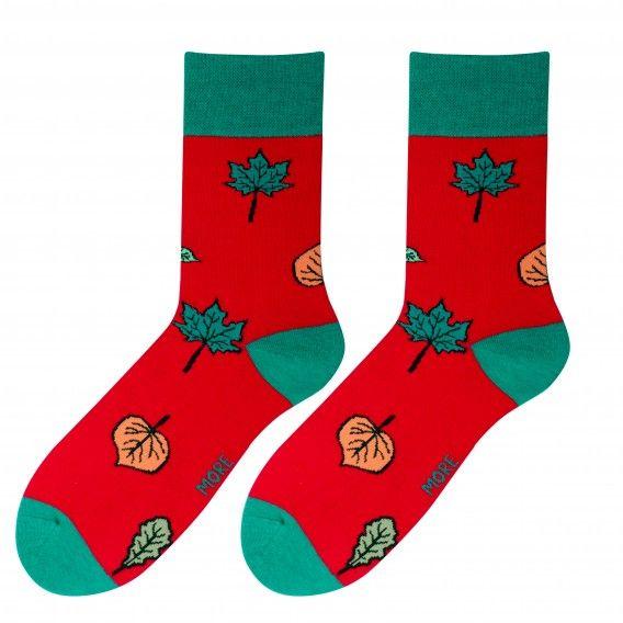 Červené pánske ponožky s lístami
