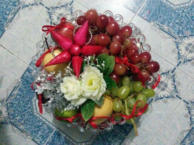 Gubahan buah-buahan. | gambar hantaran | Fruit, Cherry, Food