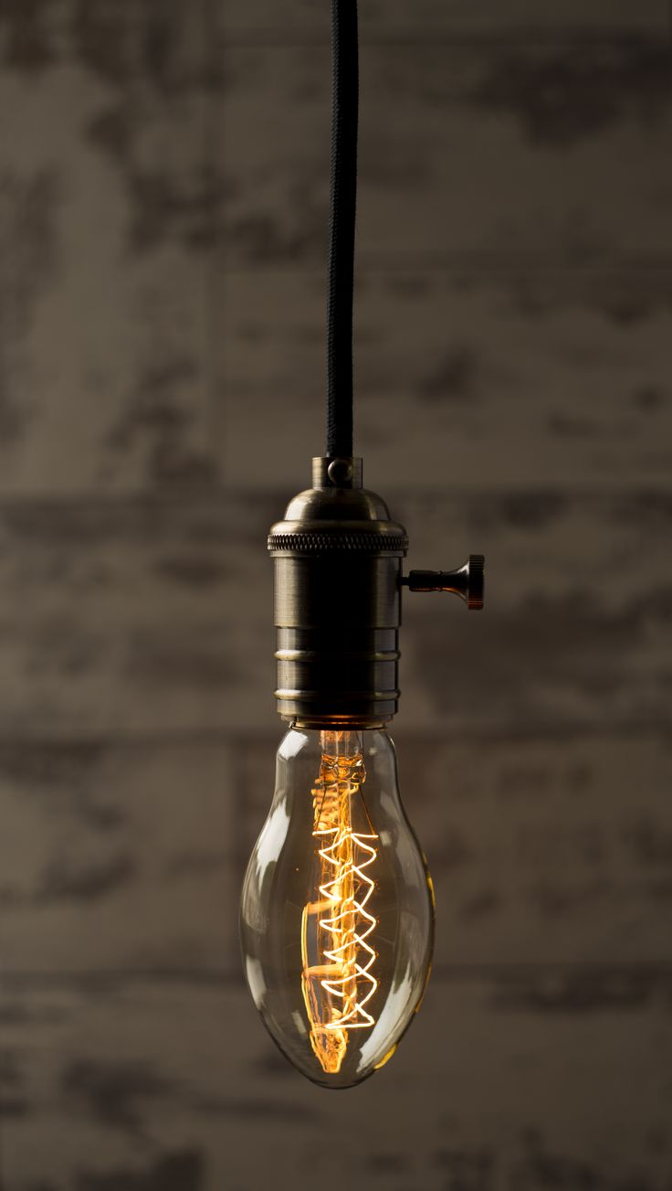 William & Watson - Oval - Vintage Bulb