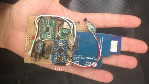 CAN Hacking Tool: Simple Hardware hackt das Auto. (Foto: Forbes)