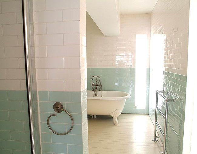 51 best salle de bain images on pinterest bathroom soap for Faience salle de bain turquoise