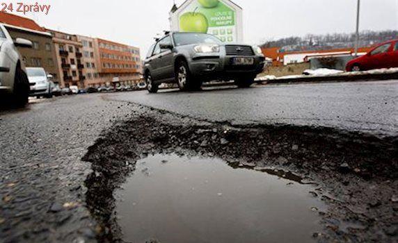 Babiš chce zdvojnásobit rozpočet na opravu menších silnic. Ze dvou na čtyři miliardy