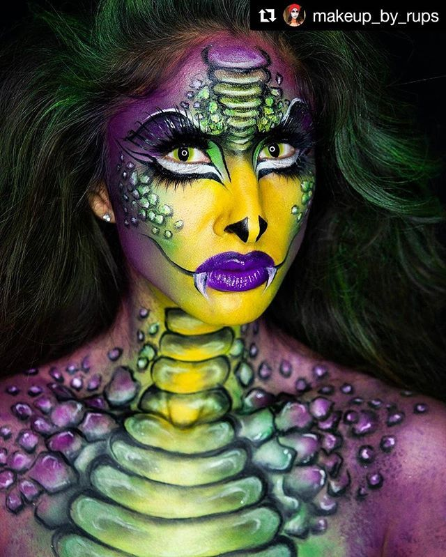 Halloween Makeup Body Painting Art Idea From Makeup By Rups Will You Try It Tag Your Friend Halloween Makeup Amazing Halloween Makeup Body Art Painting