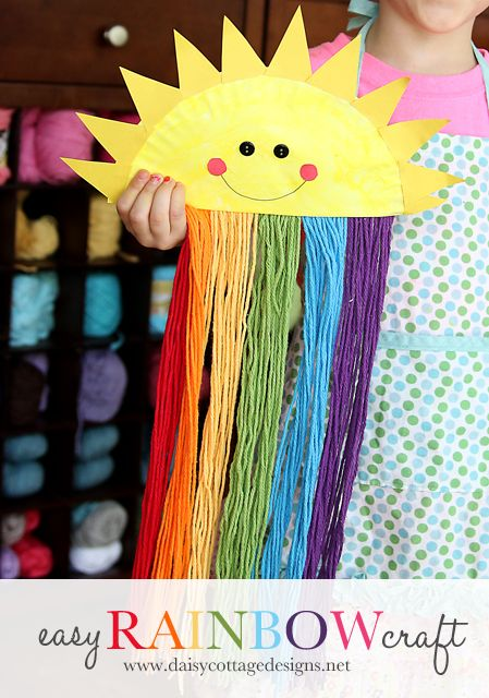 Fun paper plate craft for kids. Sun and rainbow craft from Daisy Cottage Designs.