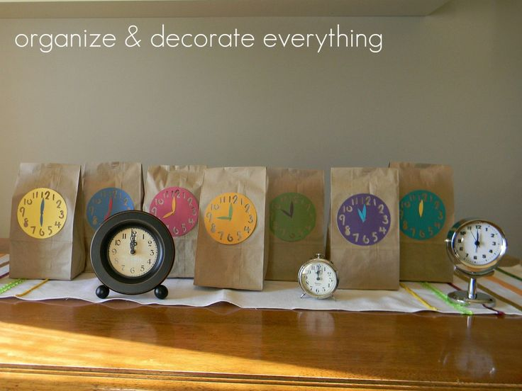 New Years Eve Countdown Bags - Organize and Decorate Everything