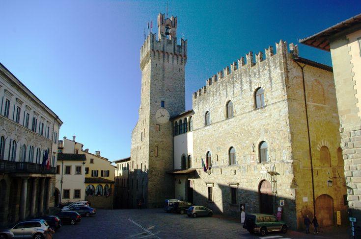 Башня Ареццо. Палаццо дей Приори.