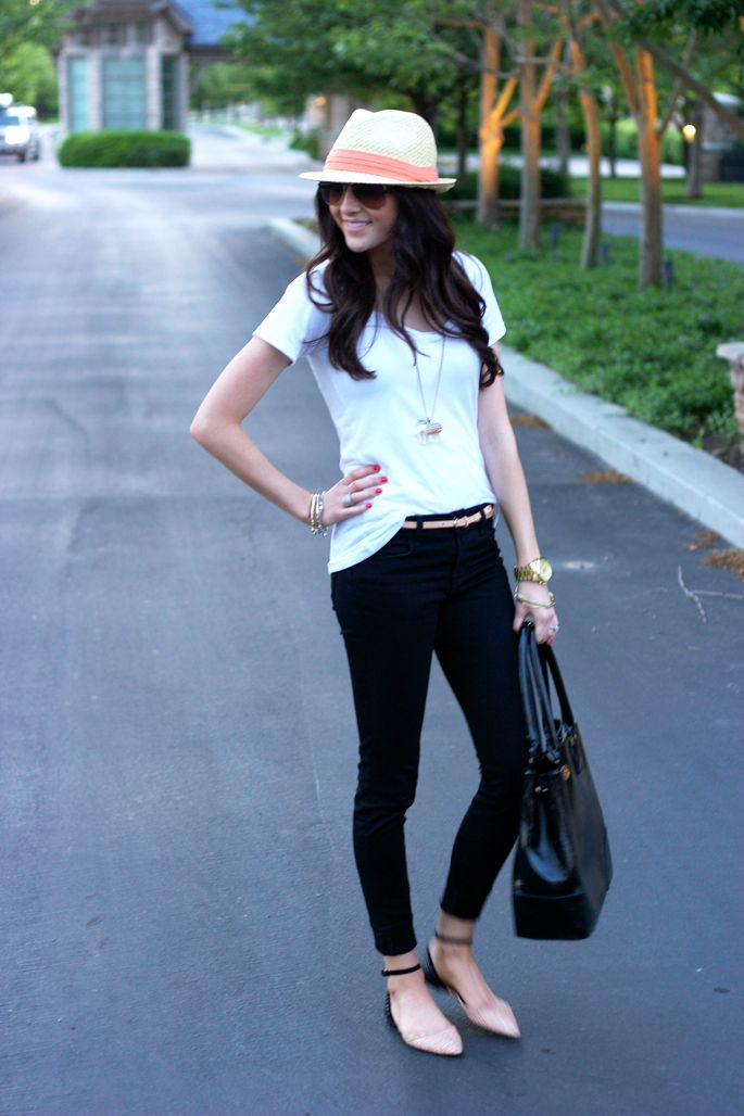 I love those flats.Casual Outfit, Style Inspiration, Fedoras, Travel Outfit, Black Jeans, Black Pants, Pink Peonies Hats, Belts, Style Fashion