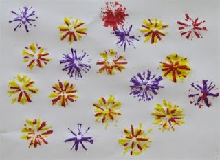 Painting with cut straws. The flowers are so purdy!     #painting #kids #kidscrafts