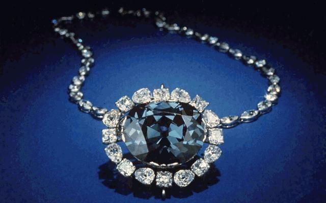 1958: Harry Winston, Inc. donates the 45.52 carat Hope Diamond to the Smithsonian Institution.