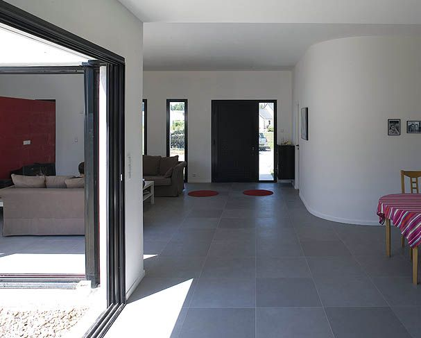 les 25 meilleures id es de la cat gorie maison cubique sur pinterest maisons contemporaines. Black Bedroom Furniture Sets. Home Design Ideas