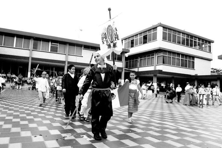 Viva México Colegio La Paz