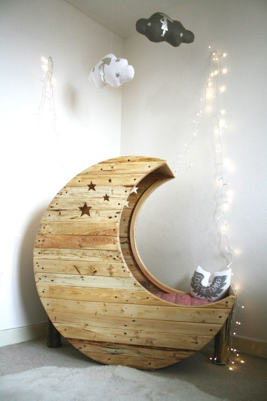 How cute is this little bed...