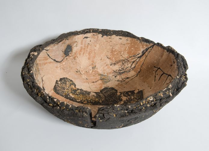 Our featured maker this month is Fiona Byrne-Sutton, who creates earthy ceramic vessels with Scottish materials.